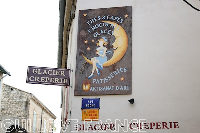 Un Ete a St Remy ice cream parlour OuiLoveFrance.com #Provence #France #Travel
